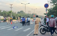 Chở con đi sắm Tết,  2 vợ chồng trẻ bị xe container cán chết