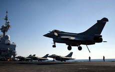 """Mỹ bất ngờ rời cuộc chơi, Pháp chơi vơi tìm đến """"chiếc ô"""" của Nga ở Syria?"""