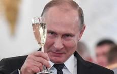 """Tổng thống Nga nói gì về chuyện kết hôn và đề xuất đặt tên """"đại lộ Putin""""?"""