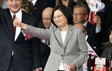 Giữa lúc nguy nan, lãnh đạo Đài Loan Thái Anh Văn nhận được giúp đỡ từ người không ngờ tới