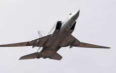 NÓNG: Máy bay ném bom chiến lược Tu-22M3 Nga đâm xuống đất - Thảm khốc