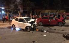 """Hai xe ô tô """"đấu đầu"""" trong đêm, 4 người thương vong"""