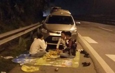 Trải thảm, ăn đêm trên cao tốc, nhóm thanh nhiên 'thích đùa' bị chỉ trích dữ dội