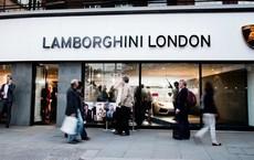 Lời trần tình của nhân viên bán Lamborghini: 'Đừng đuổi một cậu bé 19 tuổi ra khỏi showroom'