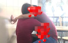 """Trong quán trà sữa, """"bàn tay hư"""" của chàng trai cùng bạn gái khiến nhiều người đỏ mặt"""