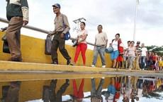 Hàng cứu trợ cho Venezuela dồn ứ ở biên giới Colombia