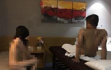 Bắt quả tang nữ nhân viên khoả thân kích dục cho khách ở khách sạn trung tâm Sài Gòn