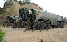 Kinh ngạc dàn vũ khí hạng nặng trong tay... nữ binh Trung quốc