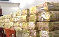 Công an bắt băng nhóm lái xe tải chở đầy ắp ma túy ở Sài Gòn