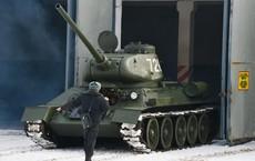 Xe tăng T-34-85 Lào vừa bàn giao chính thức hoạt động tại sư đoàn cận vệ chủ lực của Nga