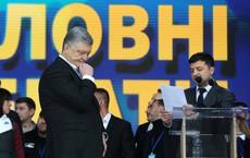 """Chính trị gia Nga bình luận về cú tát """"người giáng"""" khiến ông Poroshenko rơi nước mắt vì thất bại"""