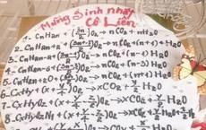 """Lộ diện người thực hiện chiếc bánh viết 10 phương trình hoá học khiến dân mạng """"hoa mắt"""""""