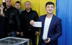 [NÓNG] Bầu cử Ukraine: TT Poroshenko đại bại, danh hài Zelensky giành chiến thắng áp đảo với 73% phiếu bầu