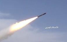 Houthi lần đầu tấn công bằng tên lửa đạn đạo mới, hơn 40 lính liên quân Saudi thiệt mạng