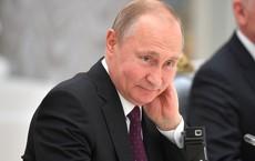 Ông Putin từ chối chúc mừng tân Tổng thống Ukraine: Điện Kremlin đưa ra lí giải bất ngờ