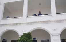 Công an huyện Cờ Đỏ thông tin bất ngờ về người đàn ông nhảy lầu tại trụ sở công an