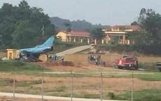 NÓNG: Máy bay quân sự gặp sự cố ở Yên Bái, phi công nhảy dù thoát nạn
