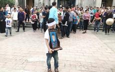 Giết bé trai 8 tuổi giấu xác trong bao: Nghi phạm còn mời bố cháu bé ăn ngô khi đang đi tìm con