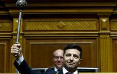 """Nêu """"nhiệm vụ đầu tiên"""" là ngừng bắn ở Donbass, ông Zelensky tuyên bố sẵn sàng đánh đổi tất cả"""
