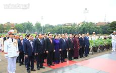 Đại biểu Quốc hội viếng Lăng Chủ tịch Hồ Chí Minh