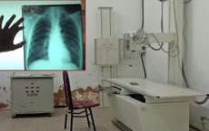 Bé gái nghi bị hiếp dâm trong phòng X-quang: Chụp chiếu tim, phổi nhưng bắt cởi cả quần lót...
