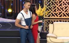 """Phạm Quỳnh Anh gây bất ngờ với màn """"cưa cẩm"""" trai lạ táo bạo trên truyền hình"""