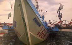 """Ông Duterte có lí do riêng khi giữ im lặng """"bất thường"""" trong vụ tàu Philippines bị tàu TQ đâm"""