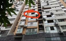 Rơi từ tầng 6 xuống đất, bé trai tử vong tại chỗ vào đúng ngày thôi nôi, nguyên nhân cái chết đến từ bố ruột của em