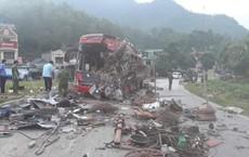 Hiện trường vụ tai nạn kinh hoàng khiến 3 người tử vong, 38 người bị thương ở Hòa Bình