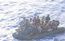 """Ngư dân Philippines sốc nặng vì TQ """"đổi trắng thay đen"""" về vụ đâm tàu: Tàu của họ to hơn, chúng tôi nào dám gây sự?"""