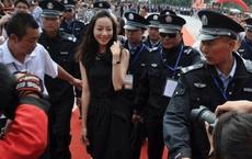 Sao nữ quyền lực nhất Hoa ngữ: Cơ ngơi lớn gấp đôi Lý Liên Kiệt, không đóng cảnh hôn, bất tuân mọi quy tắc