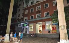 Hà Nội: Phát hiện bé gái nguy kịch tại mái tôn chung cư