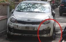 Ô tô bị đổ xăng đốt cháy loang lổ ở Hà Nội, nguyên nhân được cho là đỗ không đúng chỗ?
