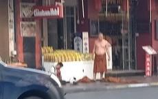 """Thái Lan: Nhà sư đâm trọng thương người bán hàng rong để chứng minh """"bùa bảo vệ"""" của anh ta vô tác dụng"""