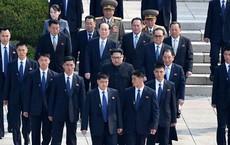 Cựu vệ sỹ Triều Tiên: Hàng rào bảo vệ ông Kim Jong Un đến con kiến cũng không lọt qua