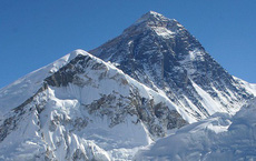 Độ cao thực tế của đỉnh núi cao nhất thế giới Everest: Khi người ta không dám công bố sự thật vì sợ không ai tin