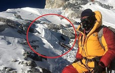 """Biến đổi khí hậu đã hé lộ sự thật """"rợn người"""" ngay trên ngọn núi Everest"""