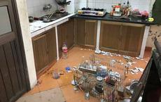 """Nhìn căn bếp như hiện trường một vụ đánh nhau kinh hoàng, mẹ trẻ ngẩn ngơ khi phát hiện ra """"thủ phạm"""""""