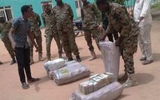 Lục soát nơi ở của Tổng thống bị phế truất Omar al-Bashir, Sudan phát hiện số tiền mặt khổng lồ