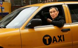 """Chẳng phải HLV """"chính danh"""" của VFF, ông Mai Đức Chung hình như chỉ là tay... lái taxi"""