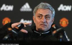 """Vừa bán Depay, Mourinho đã cảm thấy """"hơi thiếu"""""""