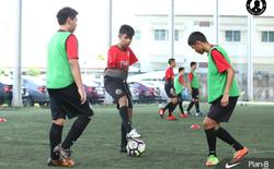 Kì lạ: Thái Lan sắp có danh thủ bóng đá... cụt 2 tay?