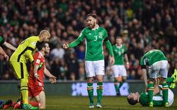 """Bale bị mắng là """"thằng hèn"""" vì suýt làm O'Shea gãy chân"""
