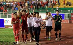 CLB TP.HCM thua trận, fan vẫn ấm lòng vì Công Vinh