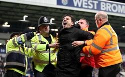 Ăn mừng quá phấn khích, CĐV Chelsea bị vây đánh trên sân khách
