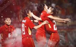 Tuyển nữ Việt Nam - Bình tĩnh chiến đấu, bình tĩnh tạo ra chiến thắng lịch sử lần thứ 5, cho dù ngoài kia là bao nhiêu khó nhọc