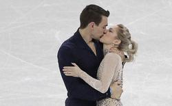 2 VĐV Olympic mùa đông trao nụ hôn nồng cháy đúng ngày Valentine