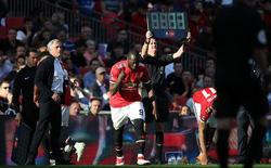 """Tiết lộ: Man United thiệt hại lớn vì Lukaku, Fellaini """"chơi xấu"""" Mourinho"""