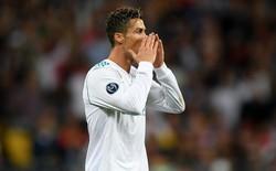 """Lao vào sân đúng lúc, fan cuồng tước đi cơ hội tái diễn màn """"cởi áo cướp show"""" của Ronaldo"""