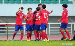 """Thắng """"như đùa"""", Hàn Quốc trao món quà quý hơn vàng cho U23 Việt Nam"""